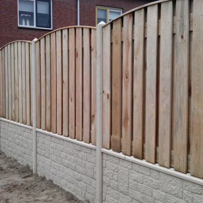 Beton hout combinatie schutting